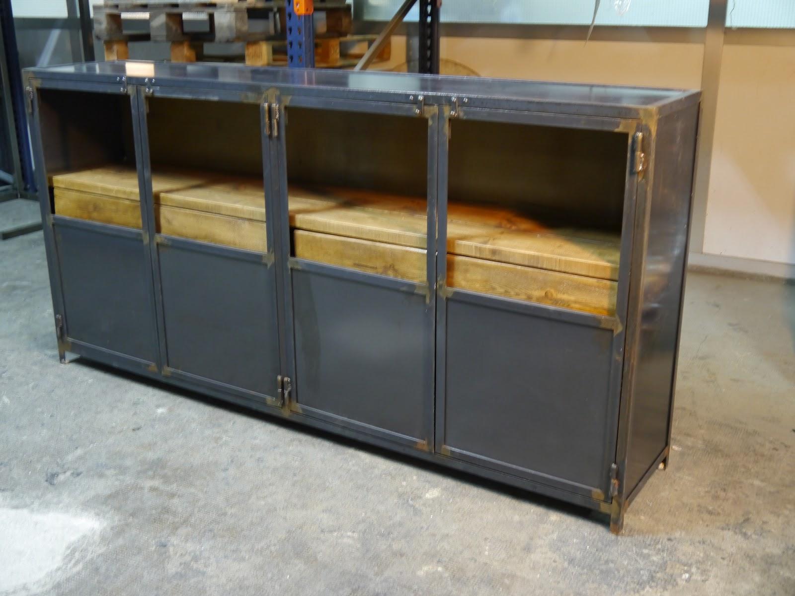 Mesa plancha de acero mesas y sillas de estilo vintage Mesas industriales vintage