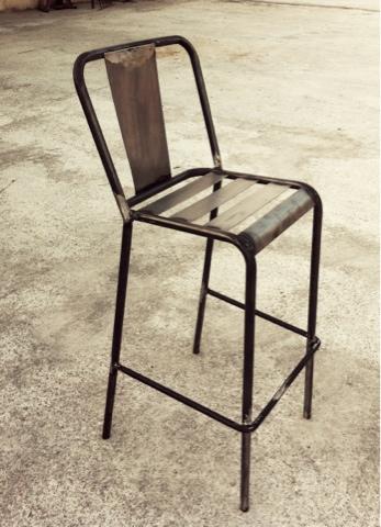 Taburete exterior hierro mesas y sillas de estilo for Modelos de sillas de metal