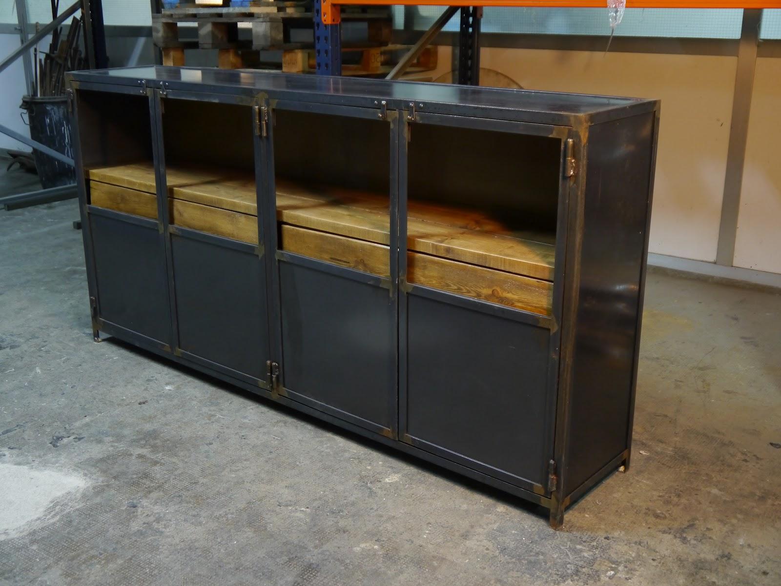 Muebles de estilo industrial y vintage en acero y madera for Muebles vintage