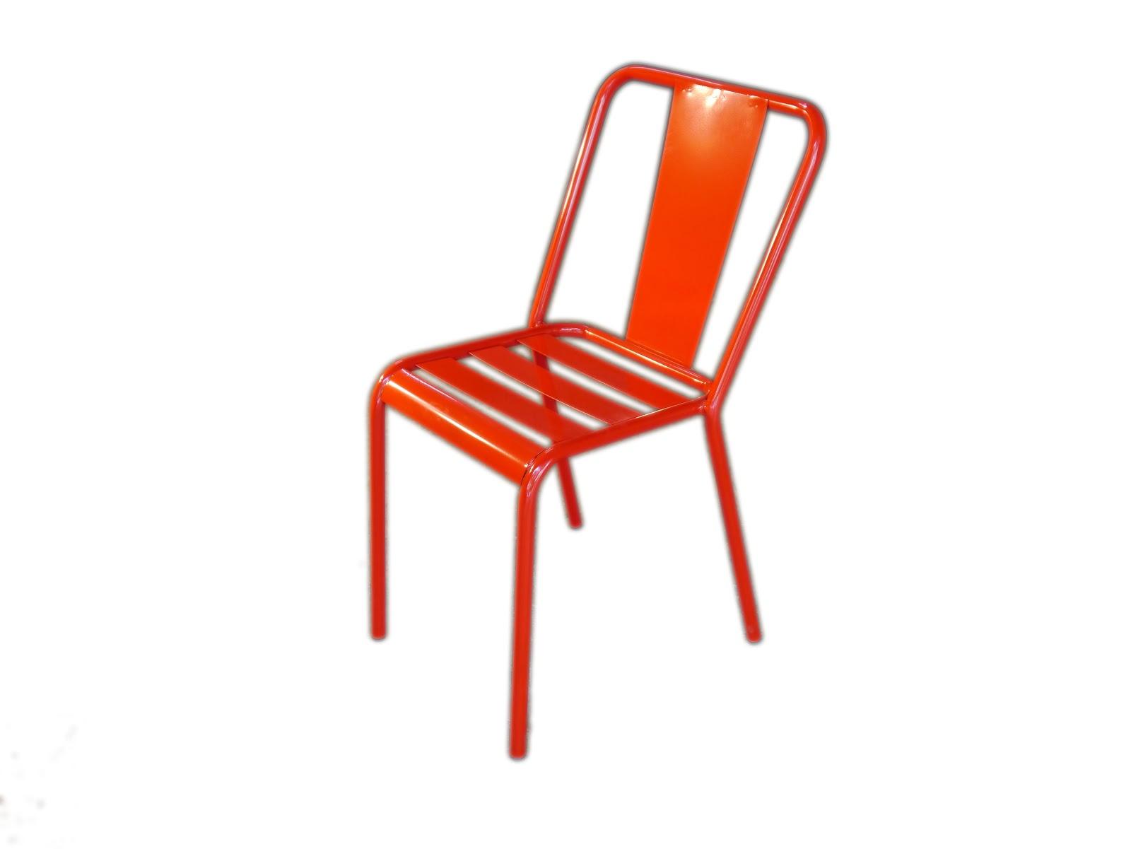 Novedades muebles 2013 mesas y sillas de estilo vintage for Sillas para exterior baratas