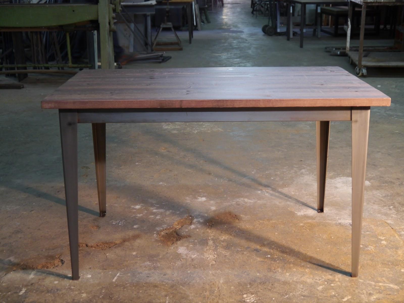 Mesas y sillas retro mobiliario vintage de estilo for Mesa hierro y madera