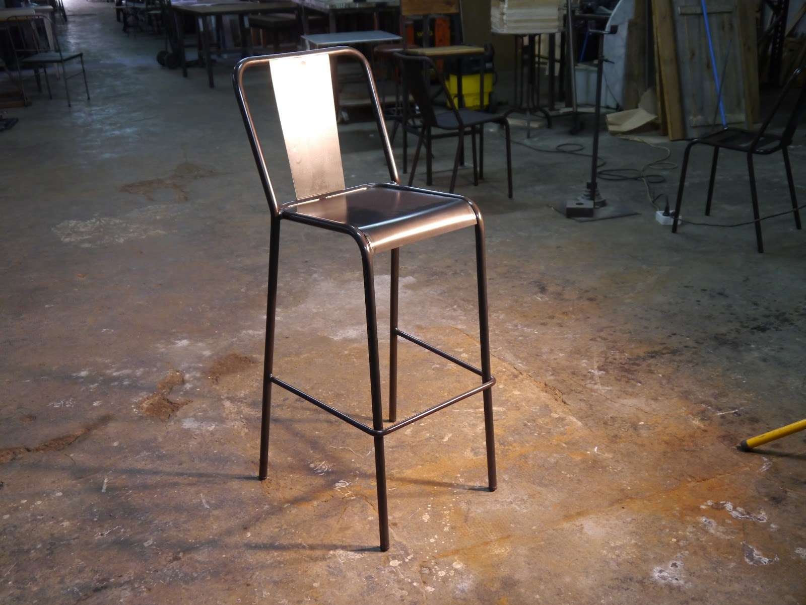 Muebles 2013 mesas y sillas de estilo vintage retro - Muebles hosteleria barcelona ...