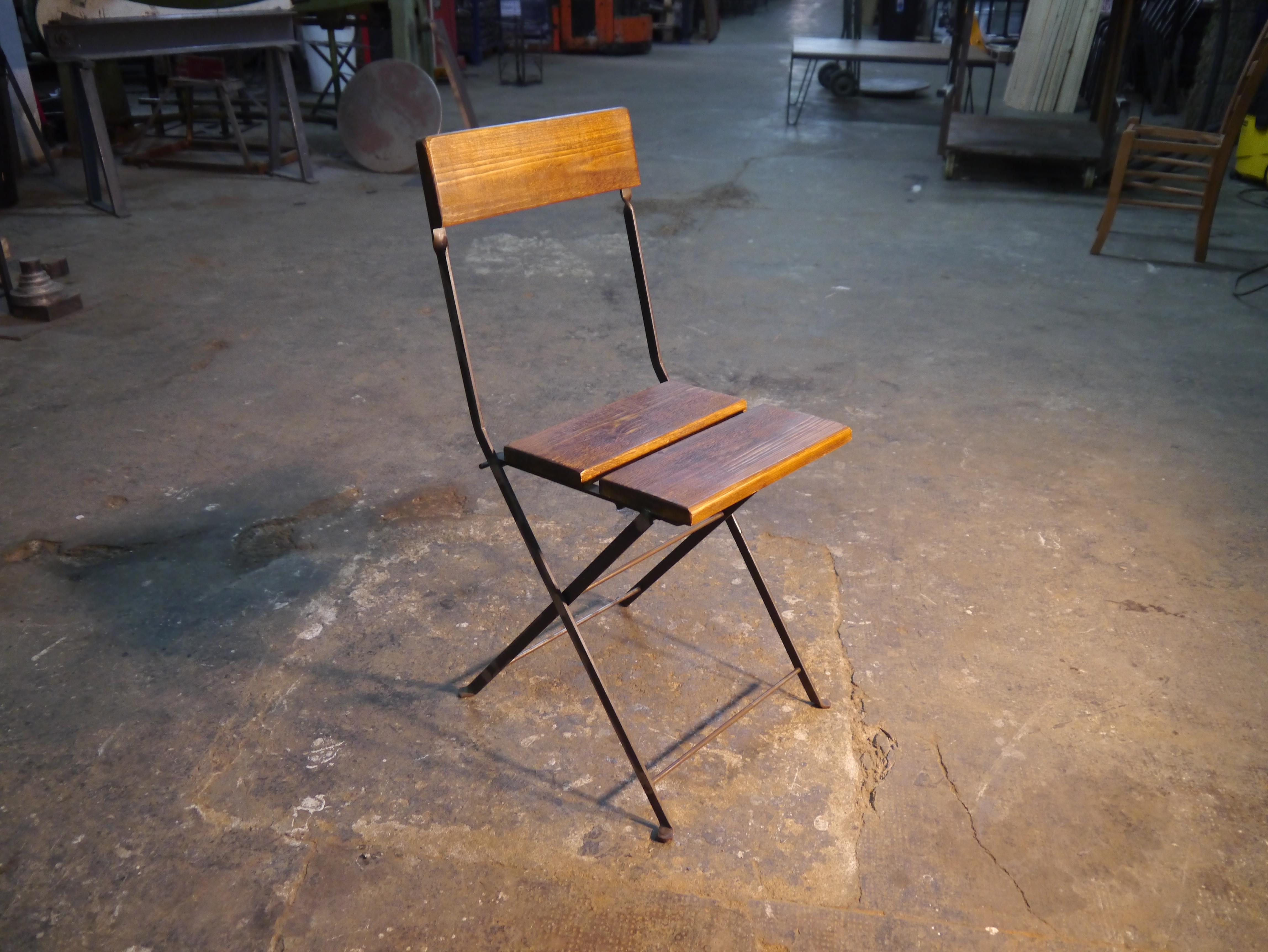Mesas retro vintage mesas y sillas de estilo vintage for Sillas rusticas para bar