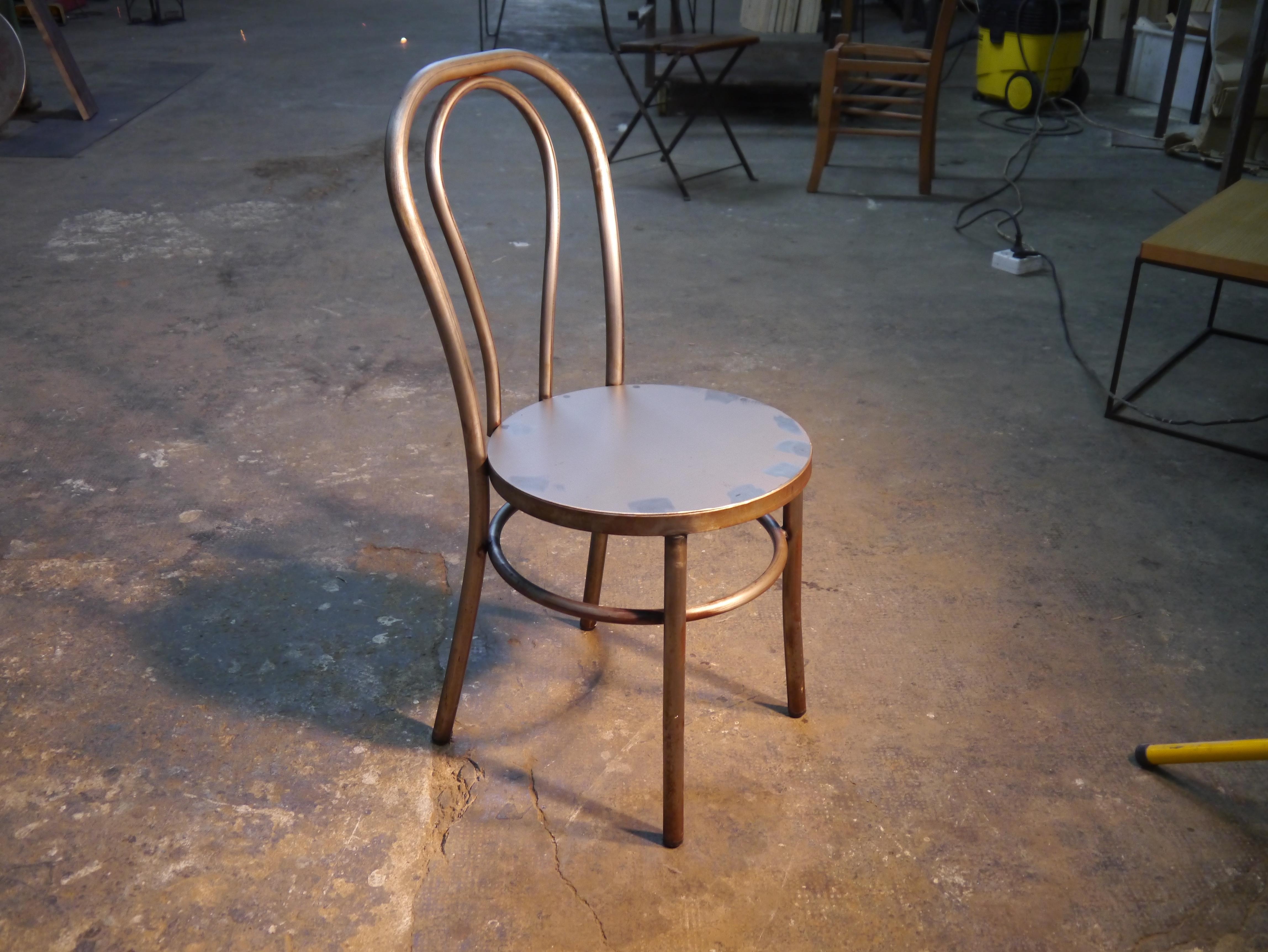 Mesas y sillas retro mobiliario vintage de estilo for Sillas de madera para bar