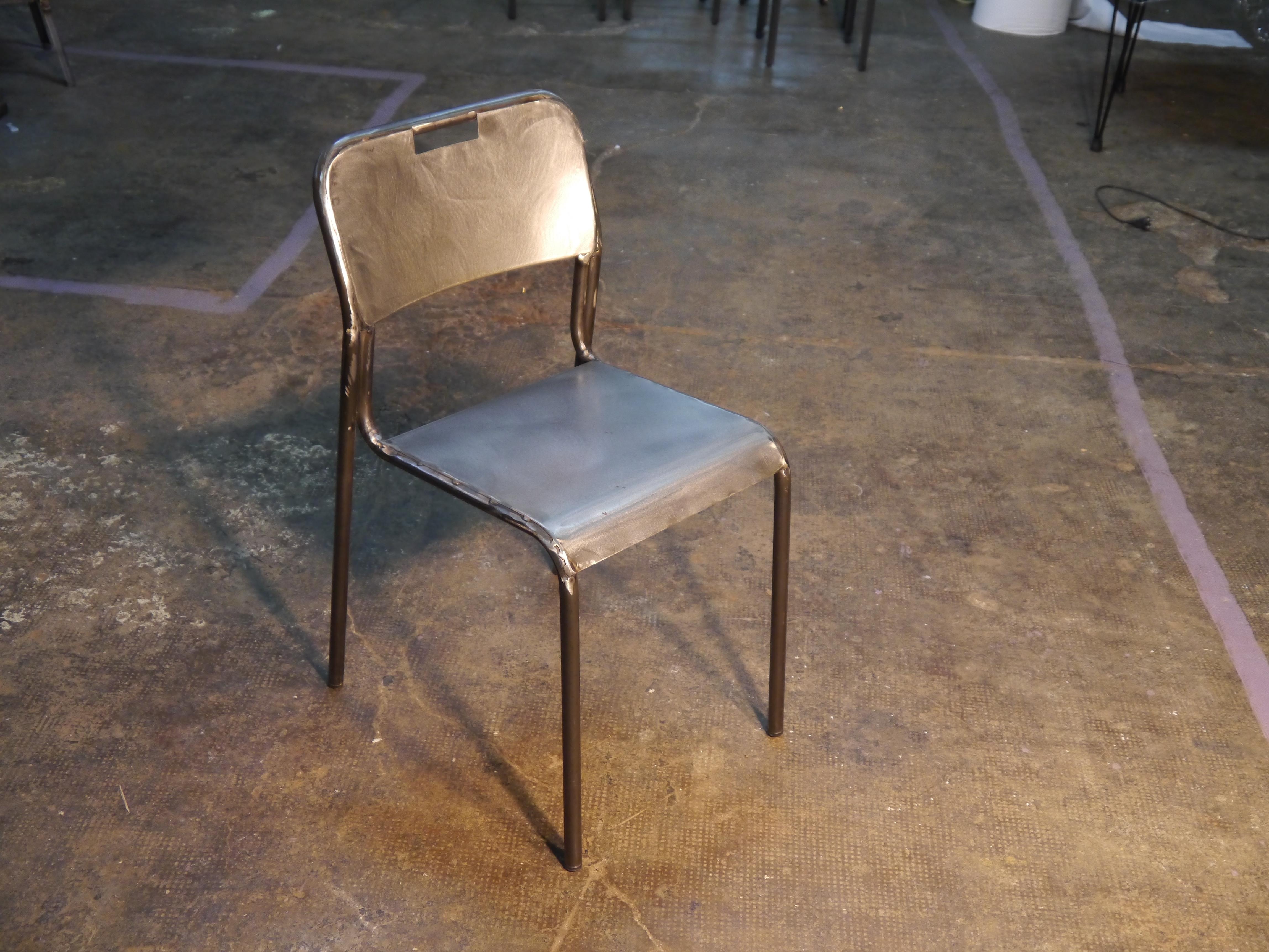 Mesas y sillas retro mobiliario vintage de estilo industrial de madera y hierro - Sillas hosteleria barcelona ...