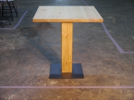 Mesa pie central madera
