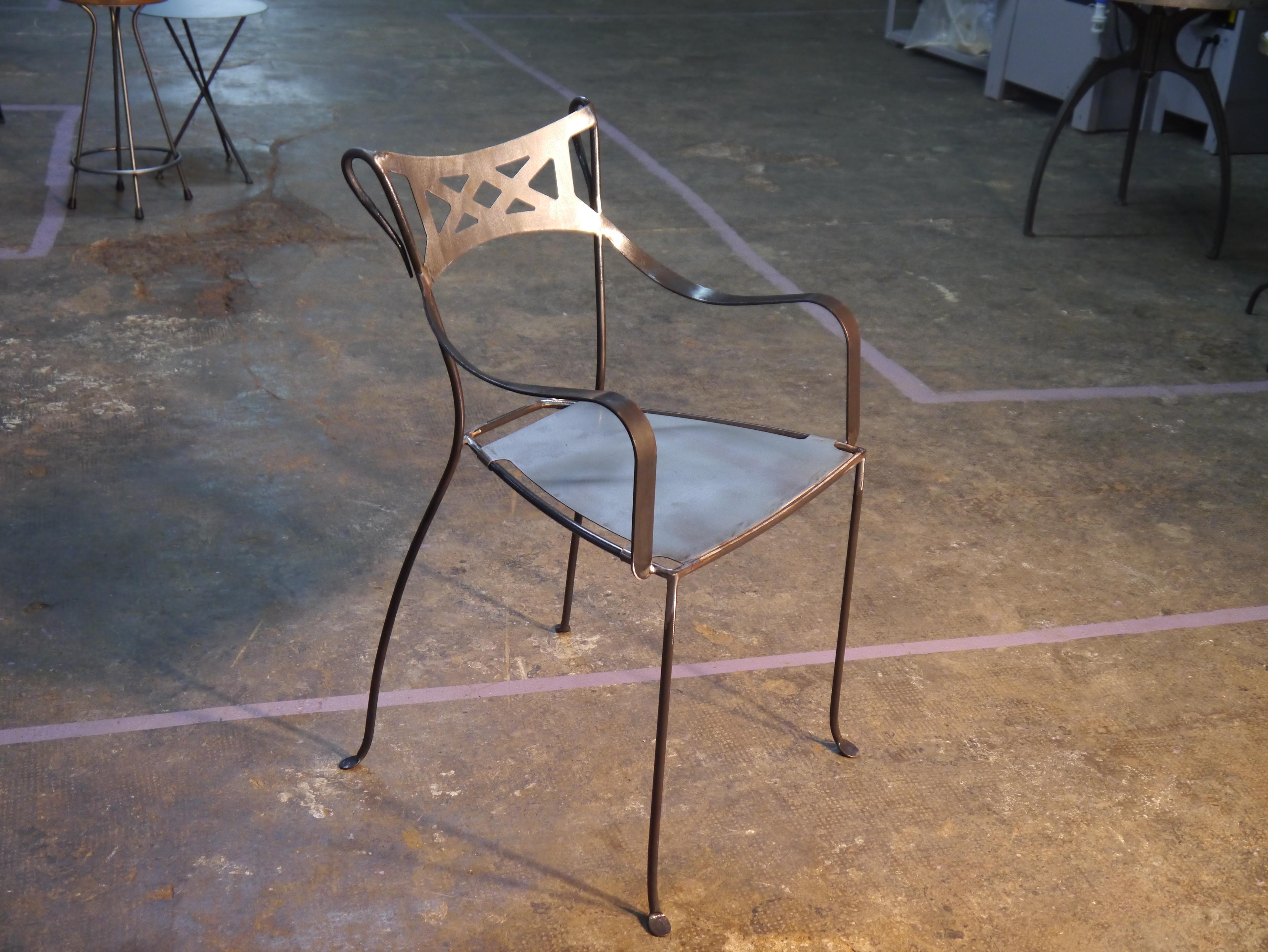 Mesas y sillas para hosteler a estilo retro y vintage for Modelos de sillas de hierro