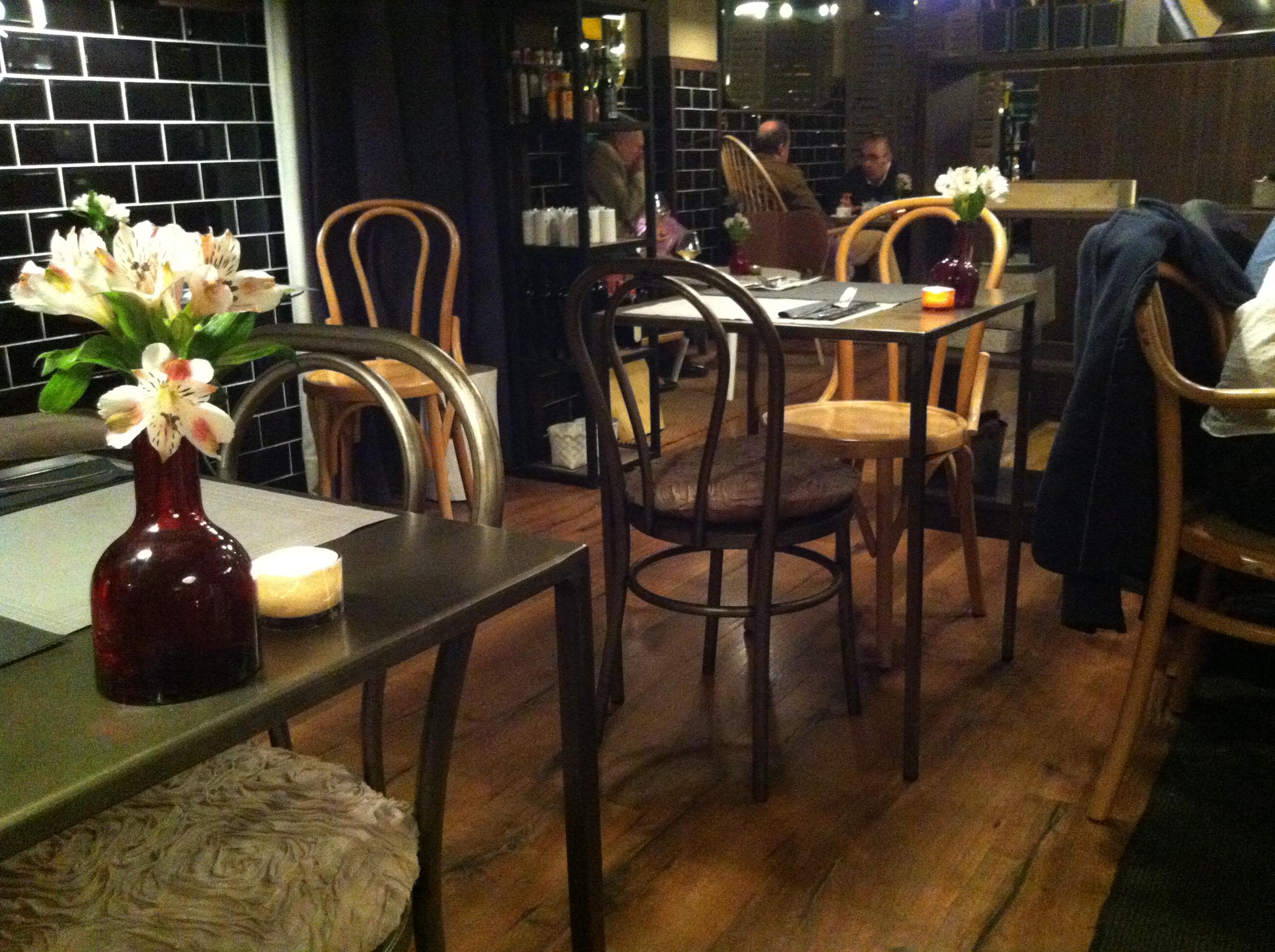 Silla vintage mesas y sillas de estilo vintage retro - Muebles hosteleria barcelona ...