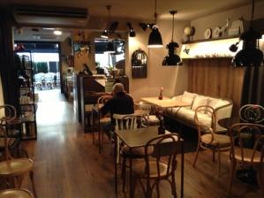 Silla vintage mesas y sillas de estilo vintage retro for Muebles vintage barcelona