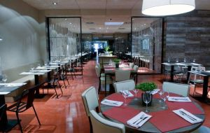 restaurante tanta barcelona muebles de dadra silla rochellle hierro