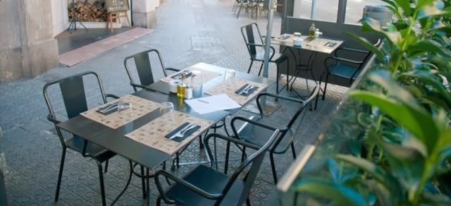 Sillas de forja exterior mesas y sillas de estilo for Mesas y sillas para hosteleria
